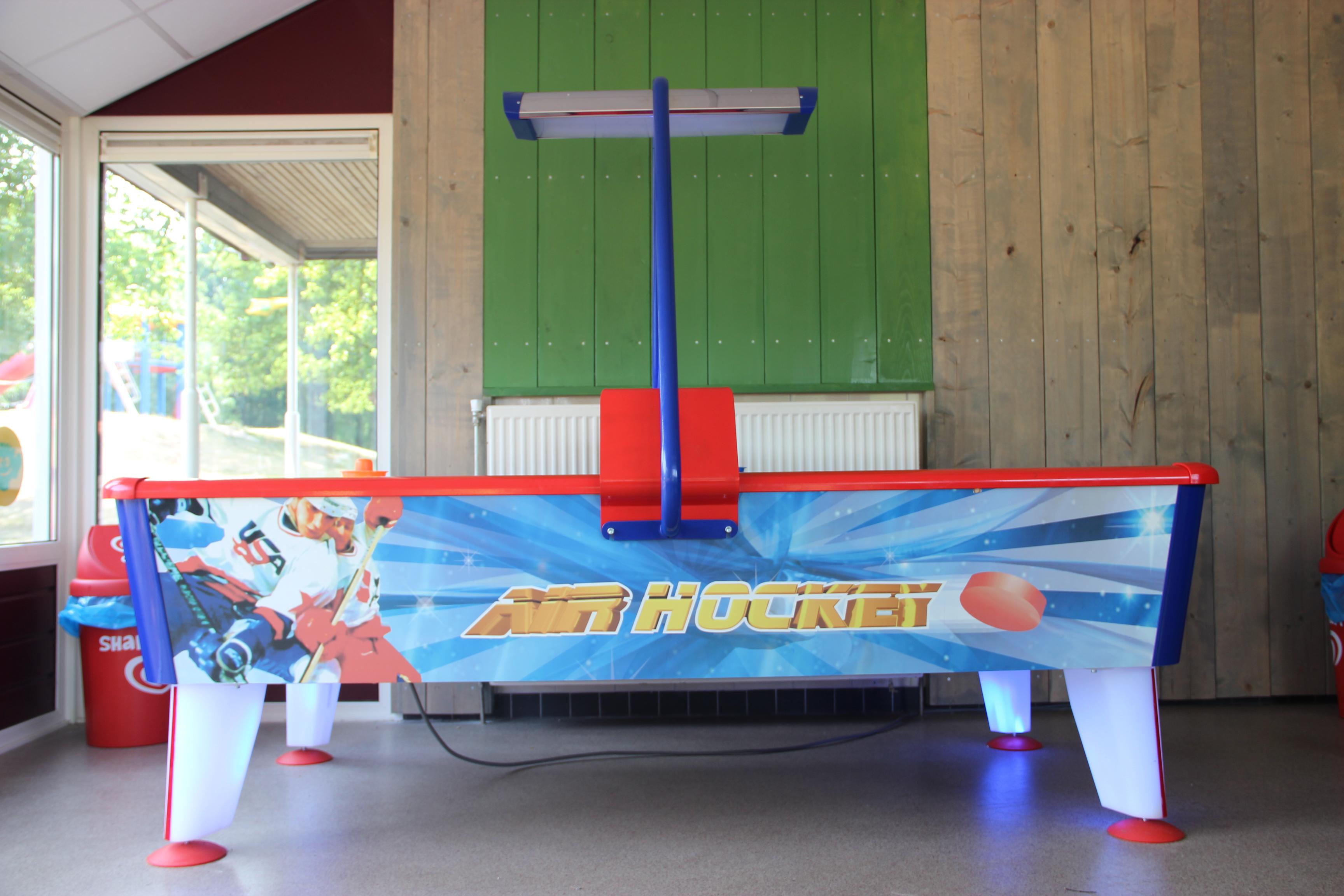 Blije Dries Chillroom Air hockey
