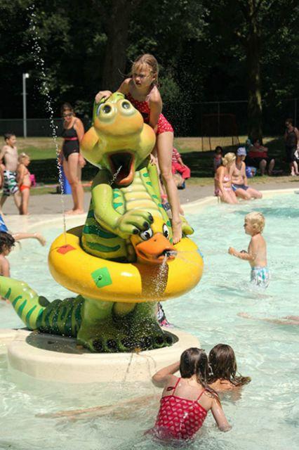 Blije Dries Zwembad fonteinen